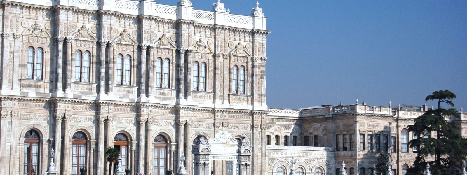 Dolmabahce_Palacemm